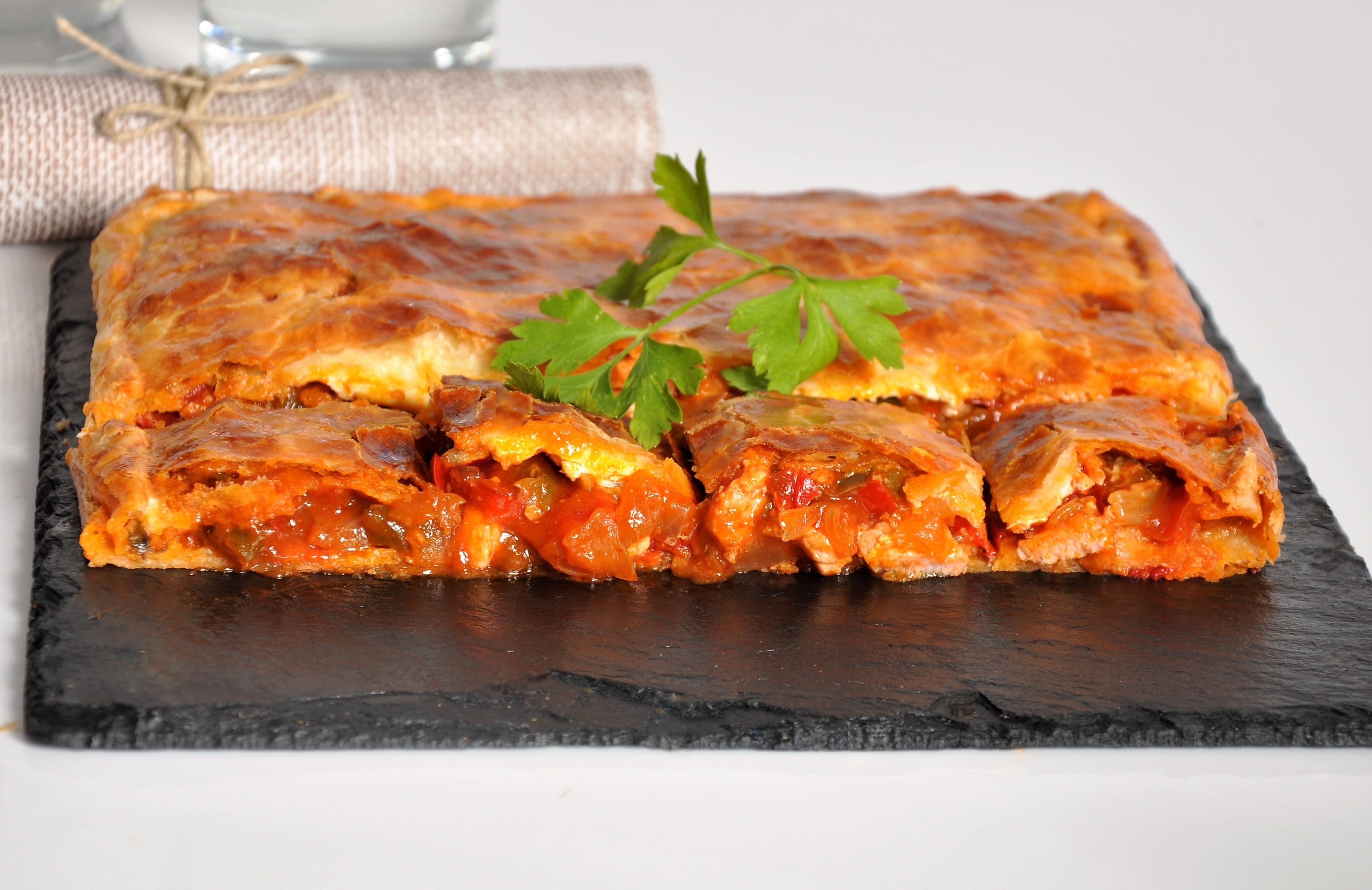 Receta Empanada de lomo adobado y pisto manchego