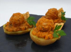 Albóndigas de pollo de La Abuela Julia con patatas asadas